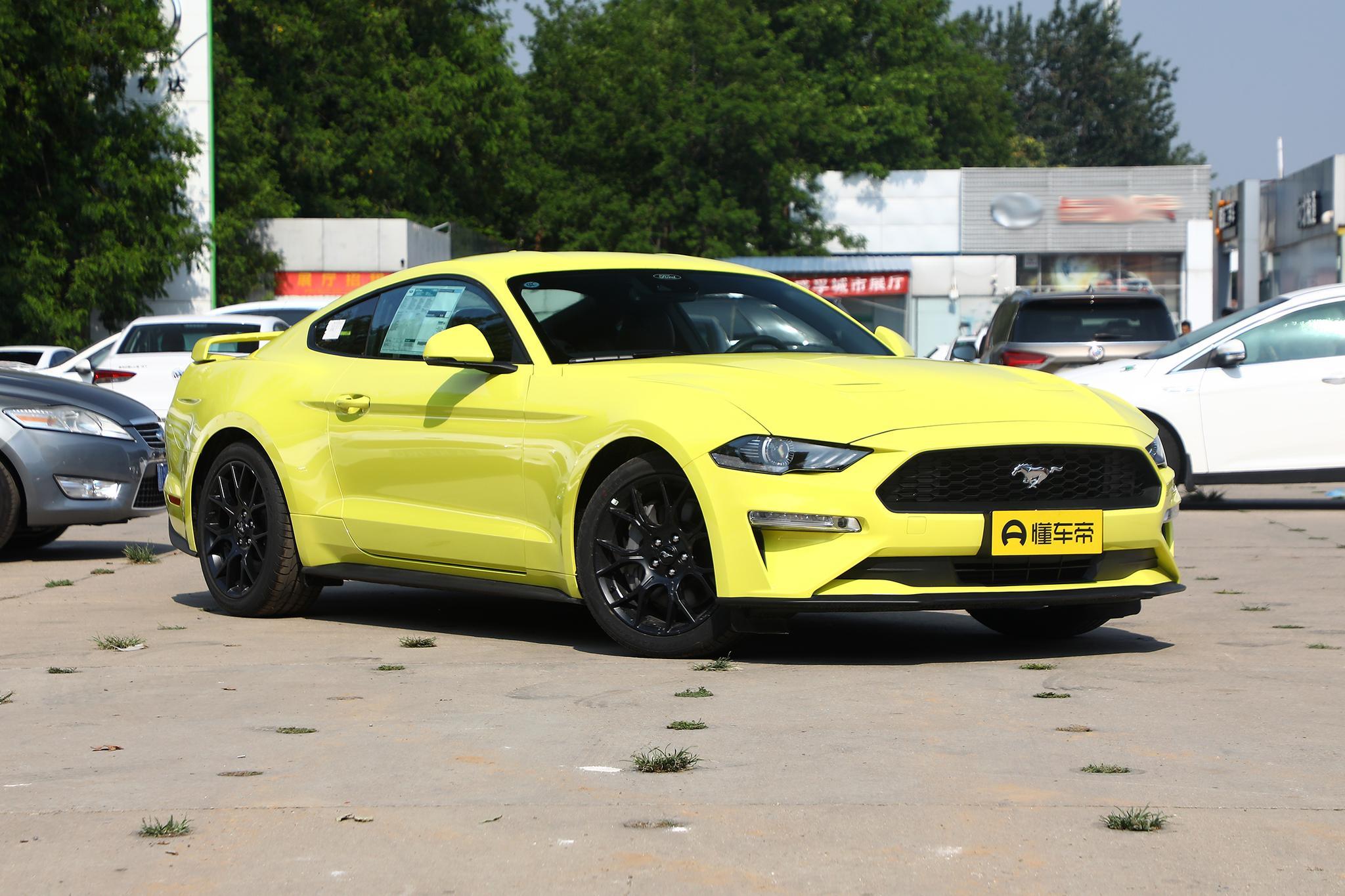 福特Mustang外观图片